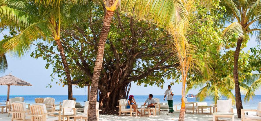 Diamonds Athuruga Beach Bar