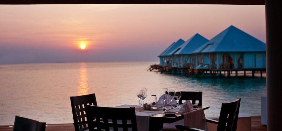 Diamonds Athuruga Restaurant & Sonne