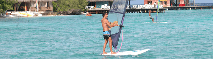 Adaaran Club Rannalhi surfen