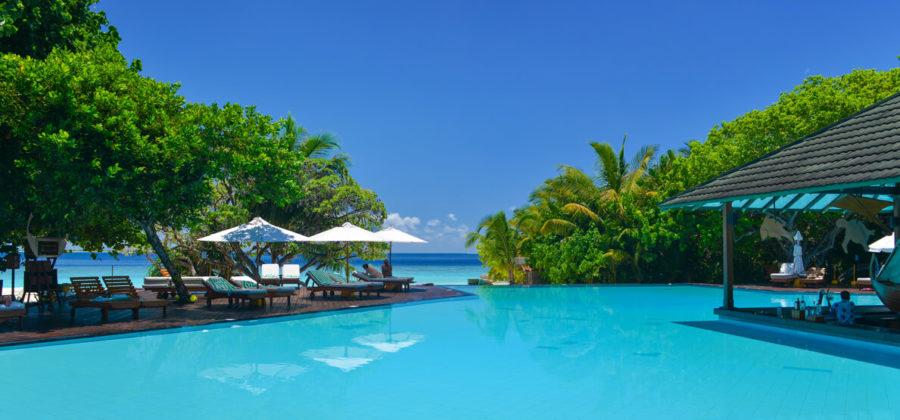 Adaaran Select Meedhupparu Pool und Meer