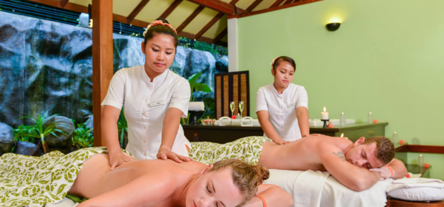 Adaaran Select Meedhupparu Spa Massage