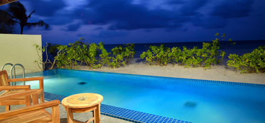 Atmosphere Kanifushi Sunset Pool Villa Ausblick