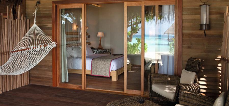 Constance Moofushi Beach Villa Terrasse