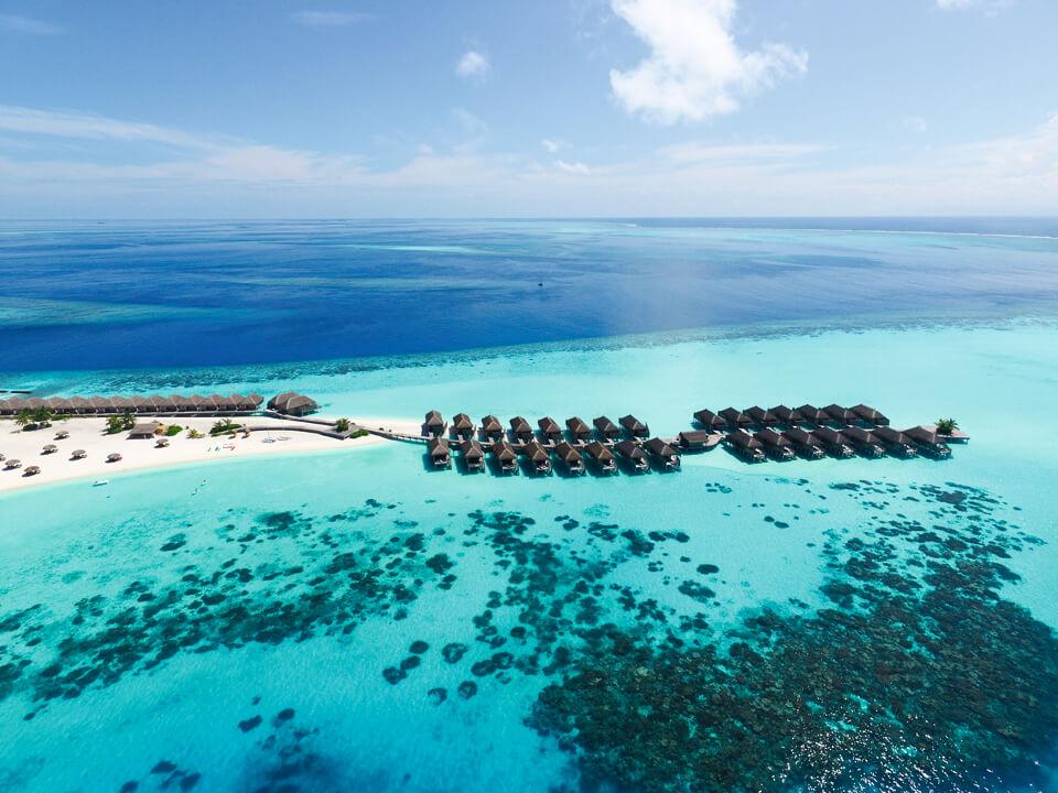 l malediven wasservilla top 8 resorts deals 2018. Black Bedroom Furniture Sets. Home Design Ideas