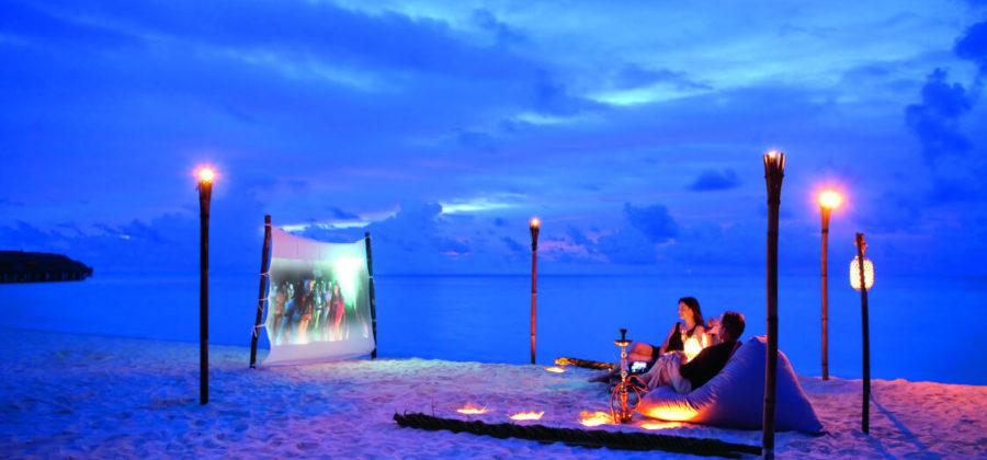 Constance Moofushi Strand Kino