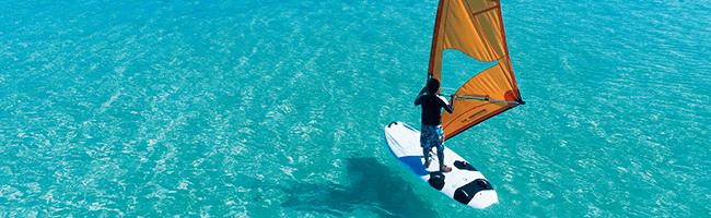 Constance Moofushi windsurfen