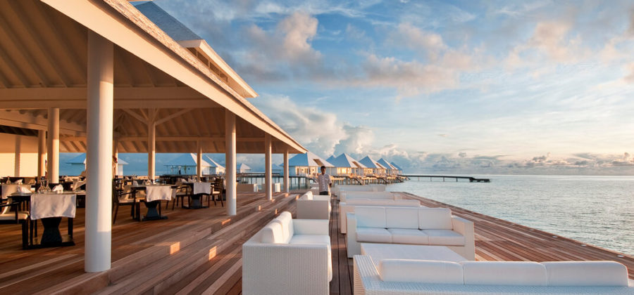 Diamonds Thudufushi Aqua Over Water Restaurant