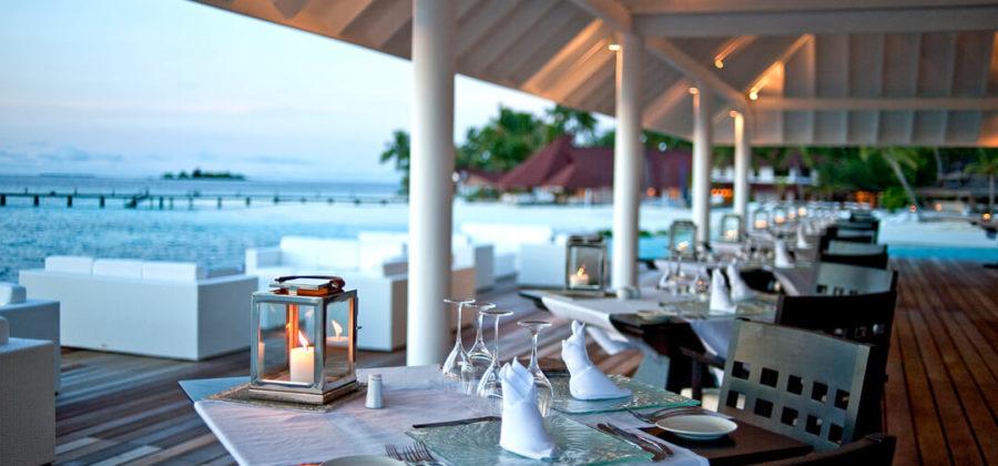Diamonds Thudufushi Aqua Over Water Restaurant Candlelight