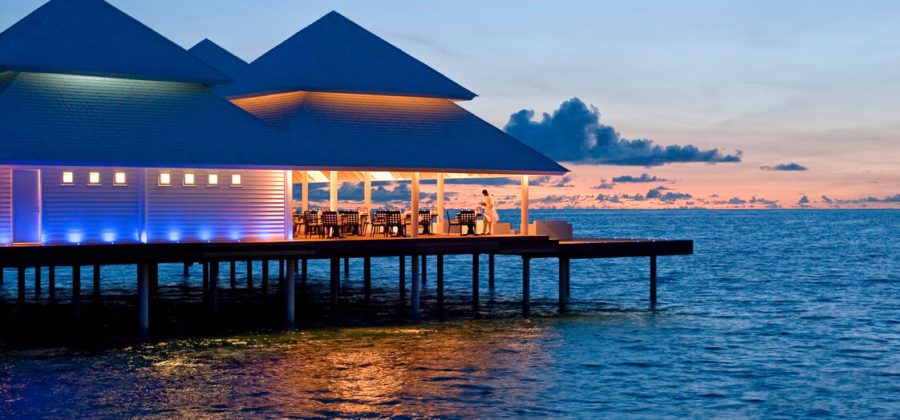 Diamonds Thudufushi Aqua Over Water Restaurant Meer