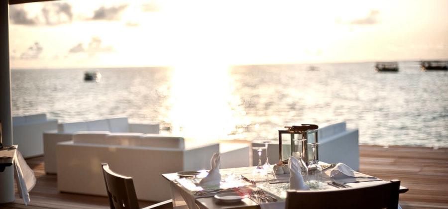 Diamonds Thudufushi Aqua Over Water Restaurant Sonne