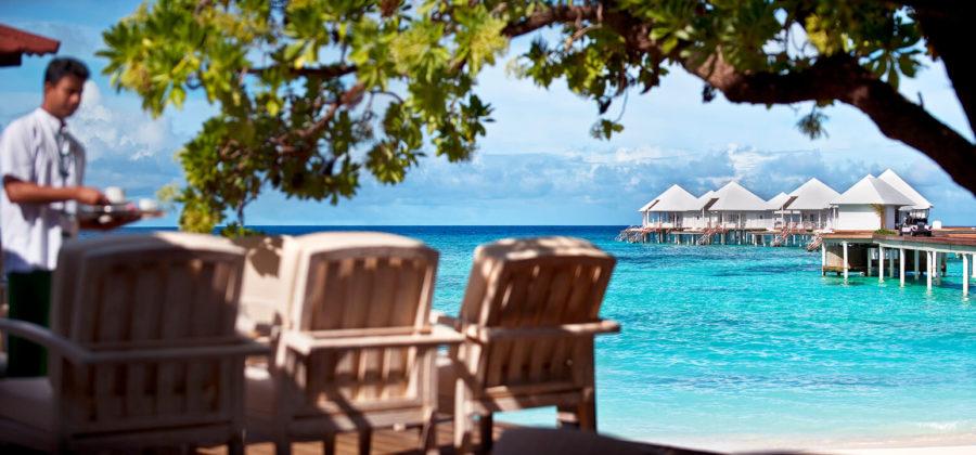 Diamonds Thudufushi Strand Lounge