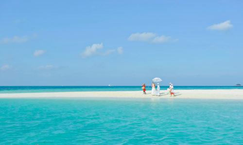 16 Tage im Holiday Island Resort & Spa (4*), mit AI, inkl. Flug & Transfer