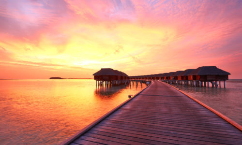14 Tage im Kuredu Island Resort (4*), mit AI, inkl. Zug, Flug & Transfer