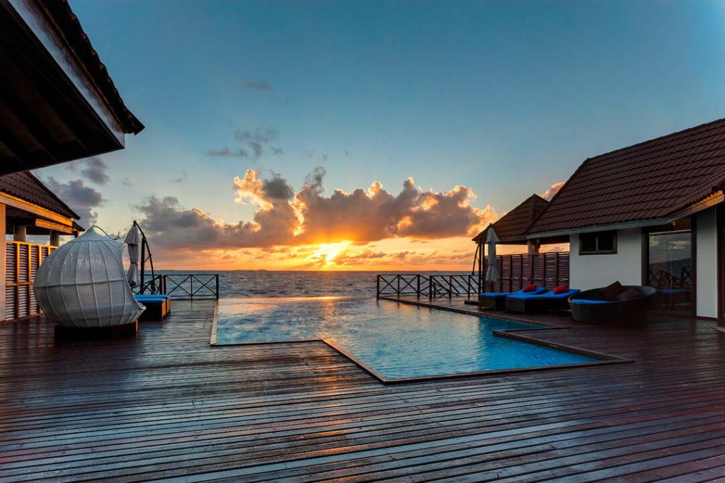 l malediven honeymoon resorts top 5 resorts deals 2018. Black Bedroom Furniture Sets. Home Design Ideas