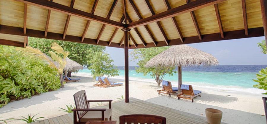 Robinson Club Maldives Strandbungalow Meerblick
