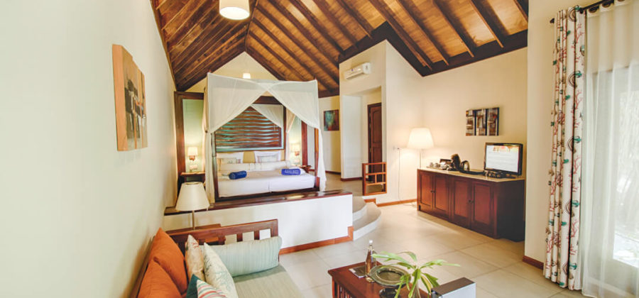 Robinson Club Maldives Strandbungalow Meerseite