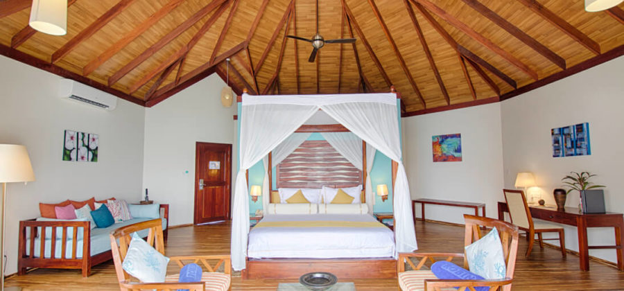 Robinson Club Maldives Wasserbungalow