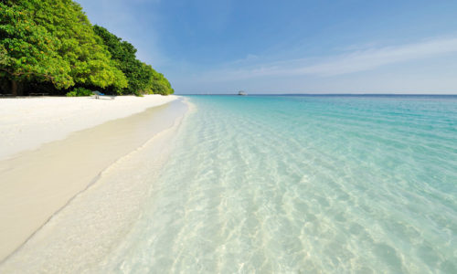 10 Tage im Royal Island Resort & Spa (5*), mit AI, inkl. Zug, Flug & Transfer