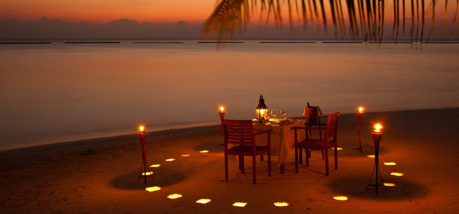 Vakarufalhi Island Beach Dinner