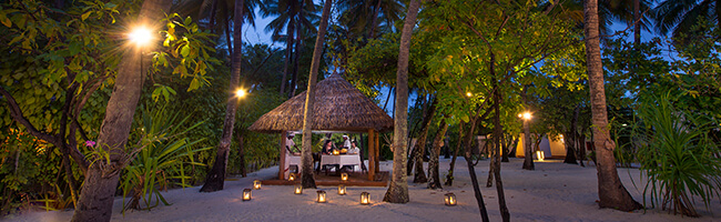 Diamonds Athuruga Farivalhu Maldivian Restaurant