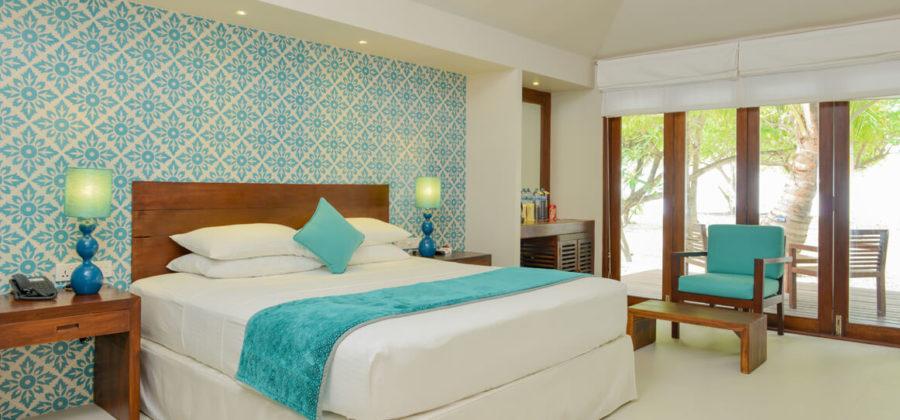Adaaran Select Hudhuran Fushi Beach Villa Bett