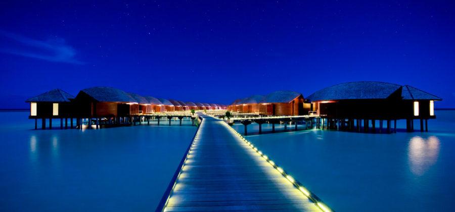 Anantara Dhigu Over Water Suites bei Nacht