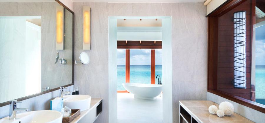 Anantara Dhigu Overwater Pool Suite Bad