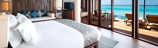 Anantara Dhigu Overwater Pool Suite Schlafzimmer