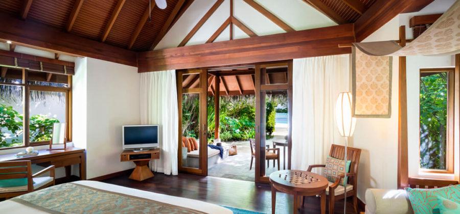 Anantara Dhigu Sunrise Beach Villa Schlafzimmer