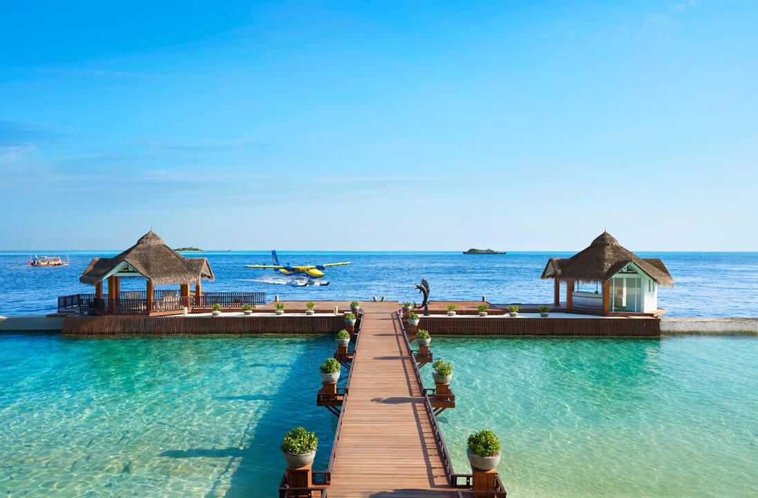 Ellaidhoo Maldives by Cinnamon Ankunfssteg