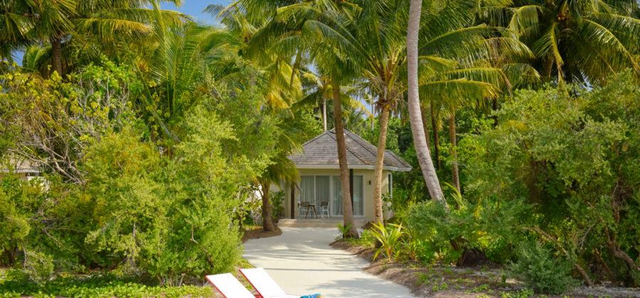Kandima Beach Villa with Jacuzzi Aussen