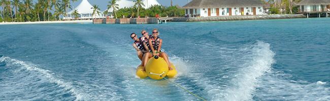 Safari Island Resort Wassersport Bananenboot
