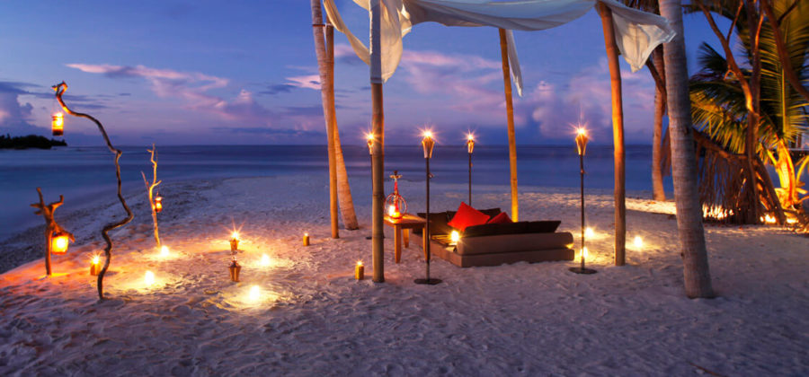 The Residence Maldives Beach Dinner