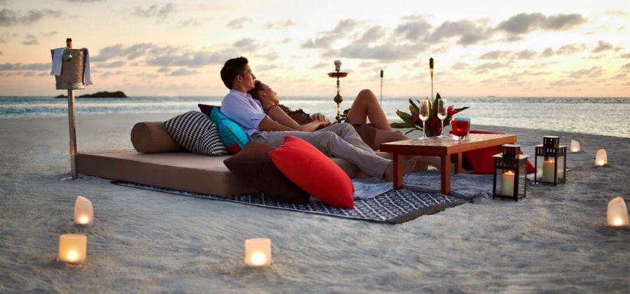 The Residence Maldives Romantic Beach Dinner