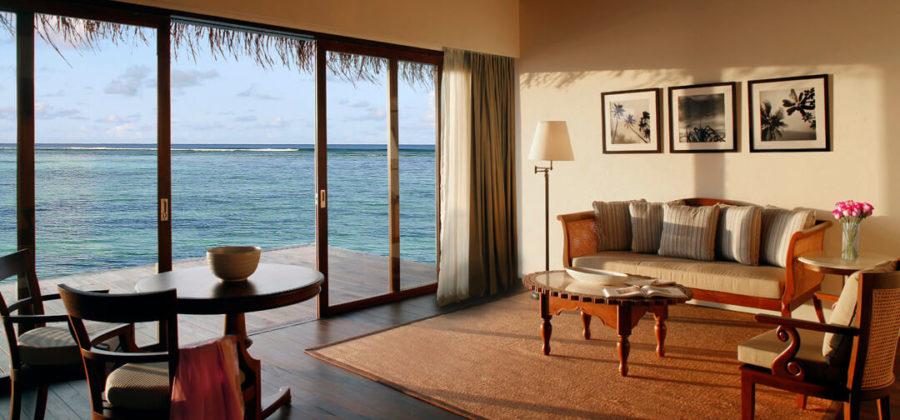 The Residence Maldives Water Villa Wohnzimmer